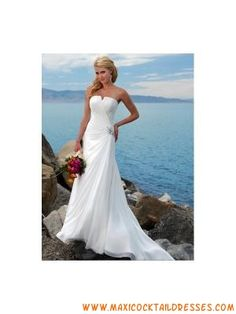 Simple Elegant White Chiffon Beach Wedding Dress with Crysta...