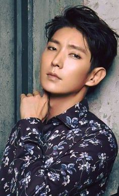 TOP Lee Joon Gi handsome korean actors New kpop Haircut trends Check Lee Jun Ki, Lee Joongi, Lee Min Ho, Busan, K Drama, Park Hyung, Jung Il Woo, Handsome Korean Actors, Korean Men
