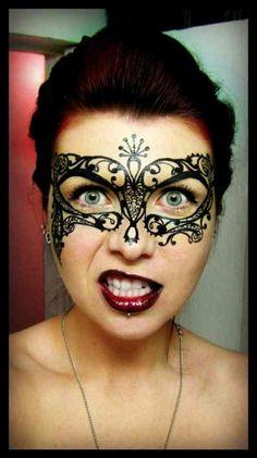 idée de maquillage pour Halloween de femme : bal masqué
