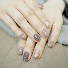 Einfache Sommer Nail Art Designs 2018 - Nagel Kunst, You are in the right place about grey nails Here we offer y Glitter Nails, Fun Nails, Gold Glitter, Sparkle Nails, Stiletto Nails, Glitter Makeup, Gold Sparkle, Nail Art Simple, Nail Art Designs