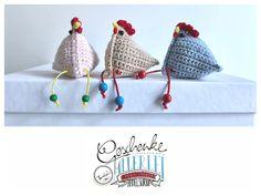 Tunella's Geschenkeallerlei präsentiert: gehäkeltes Deko-Hühnchen #TunellasGeschenkeallerlei #Häkelei #Hühnchen #Huhn #Geschenk #Ostern #Osterdeko #Osterschmuck Etsy Seller, Kids Rugs, Blog, Christmas Ornaments, Trending Outfits, Holiday Decor, Create, Unique Jewelry, Handmade Gifts