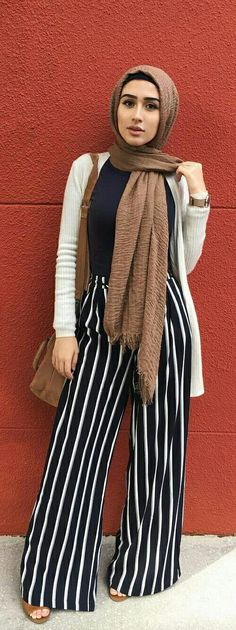 Stripe pants - hijab street style fashion #muslimfashion,