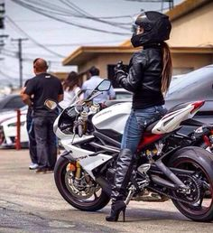 I love seeing women riding bikes. We need alot more in the biker community. Lady Biker, Biker Girl, Girl Motorcycle, Ducati Monster, Honda Cb, Motocross, Chicks On Bikes, Yamaha R6, Hot Bikes