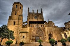 Place: Catedral, Huesca / Aragón, Spain. Photo by: Vic-Designs