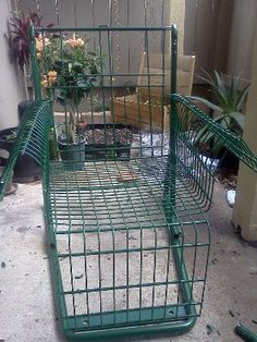 Have you seen any abandoned shopping carts being thrown out? Turn them into funky upcycled furniture with this DIY shopping cart project. From MOTHER EARTH NEWS magazine.