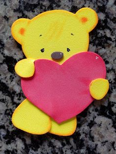 Herthal art's Foam Crafts, Diy And Crafts, Valentines Day Bears, Tissue Paper Flowers, Craft Markets, Diy Wall Decor, Cute Cartoon, Cute Art, Quilling