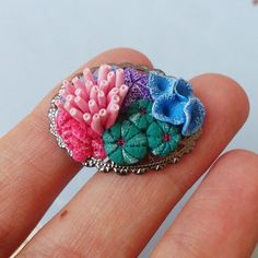 One of the last sculpts before leaving on holidays. Yaaaaaay holidays so soon :) Polymer Clay Sculptures, Polymer Clay Animals, Polymer Clay Flowers, Sculpture Clay, Polymer Clay Jewelry, Clay Earrings, Coral Reef Craft, Clay Figures, Polymer Clay Projects