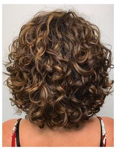 Shaved Side Hairstyles, Quiff Hairstyles, Hairstyles Over 50, 1950s Hairstyles, Hairstyles 2018, Medium Hair Styles, Curly Hair Styles, Haircuts For Curly Hair, Curly Hairstyles For Medium Hair