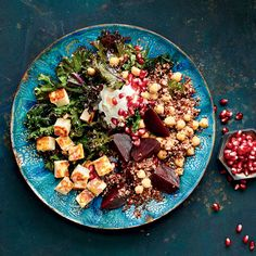 Quinoa, Beet & Halloumi Bowls—Nourish your body with this vegetarian bowl that boasts protein-packed quinoa, antioxidant-rich beets, detoxifying kale and a side of halloumi cheese for a bit of texture. Halloumi Salad, Kale Quinoa Salad, Beet Salad, Bean Recipes, Healthy Recipes, Meatless Recipes, Healthy Habits, Cooking Halloumi, Vegetarian Cooking
