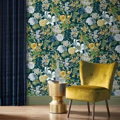 Luxe behang-collectie vol drama - Excellent magazine Navy Wallpaper, Green Floral Wallpaper, Pattern Wallpaper, Colorful Wallpaper, Dark Blue Bedrooms, Graham Brown, Glass House, Accent Wall Bedroom, Blue Backgrounds