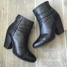 Rag + Bone Lizard Newburys Bundle Included in this bundle are rag + bone size 38.5 newbury booties in black lizard and size small cable knit turtle neck sweater in cream and beige. rag & bone Shoes Ankle Boots & Booties