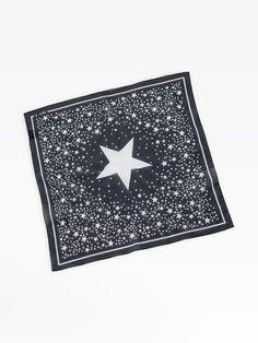 bandana stars noir | agnès b. Bandana, Stars, Black People, Bandanas, Sterne, Star