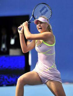 Maria Sharapova Hot, Sharapova Tennis, Maria Sarapova, Tennis Players Female, Sports Celebrities, Sport Tennis, Tennis Stars, Sporty Girls, Athletic Women