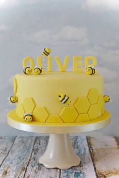 Sweet bumblebee birthday cake. Could easily be a baby shower cake too.