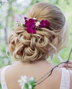 Wedding Hairstyle : Featured Hairstyle: Websalon Wedding Anna Komarova; Featured Photo: Liliya Fad