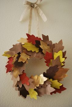 Recycled Fall Wreath - PRETTY Thanksgiving Craft idea for kids!