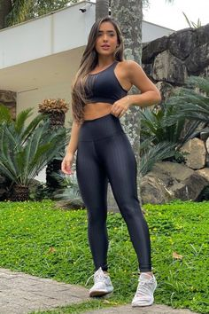 Dope Swag Outfits, Cute Gym Outfits, Casual Outfits, Lycra Leggings, Shiny Leggings, Moda Fitness, Workout Wear, Strong Women, Yoga Pants
