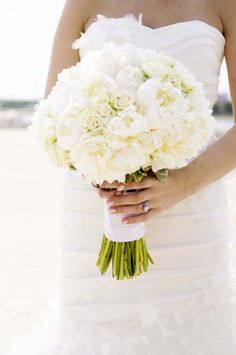 18 All White Wedding Bouquets Inspiration ❤ See more: http://www.weddingforward.com/white-wedding-bouquets-inspiration/