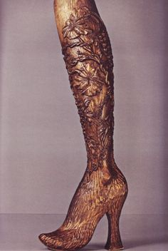 Alexander McQueen, Prosthetic Leg No. 13, Spring/Summer 1999