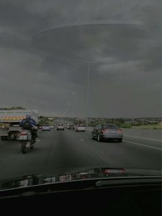 Huge UFO Sighting At Midrand N1 In South Africa Is Going Viral