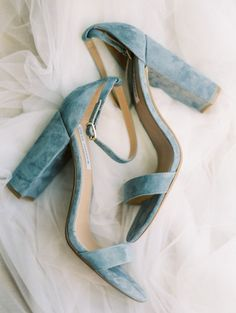 20 dusty blue heeled wedding sandals are very comfy for walking cause of stable heels - Weddingomania