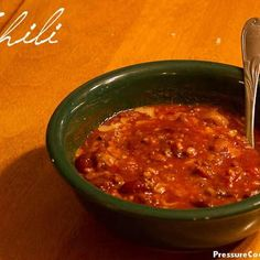 Easy 8-Minute Pressure Cooker Chili @keyingredient #quick #easy #delicious #tomatoes