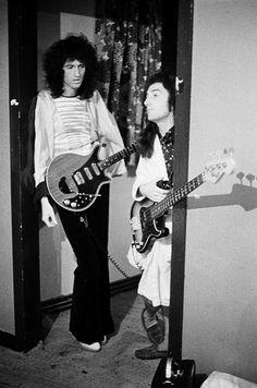 Brian May, John Deacon, Queen 70's