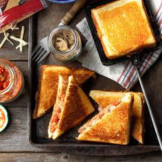Ham & Jack Pudgy Pie Recipe -Pepper jack cheese adds spicy flavor to these warm, melty sandwiches. Mountain Pies, Mountain Pie Recipes, Hobo Pies, Pie Iron Recipes, Pudgy Pie, Cooking On The Grill, Camping Cooking, Camping Foods, Camping Stuff