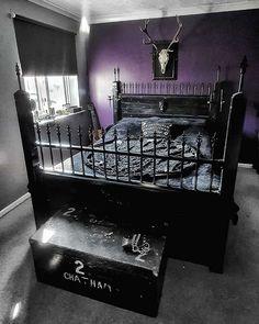 Goth Bedroom, Room Ideas Bedroom, Room Decor, Black Bedroom Furniture, Gothic Furniture, Gothic Interior, Interior Modern, Goth Home Decor, Estilo Rock