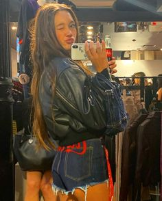 leather jacket and denim shorts Lily Chee, Shooting Photo, Mix Style, Vogue, Fashion Killa, Look Cool, Celebrity Photos, Girl Crushes, Dress To Impress