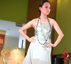 UCSI students impress crowd with glamorous evening dresses Students from UCSI University's (UCSI) De Institute of Art & Design (DIAND) were recently invited by 'My Wedding' – a well-known Malaysian wedding magazine – to participate in their ninth annual wedding exhibition at Mid Valley. Glamorous Evening Dresses, Crowd, University, Students, Glamour, Magazine, Formal Dresses, Wedding, Design