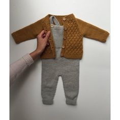 Willums Latzhose - Knitting For Kids Baby Knitting Patterns, Baby Boy Knitting, Knitting For Kids, Baby Boy Fashion, Kids Fashion, Fashion Outfits, Vêtement Harris Tweed, Baby Boy Outfits, Kids Outfits