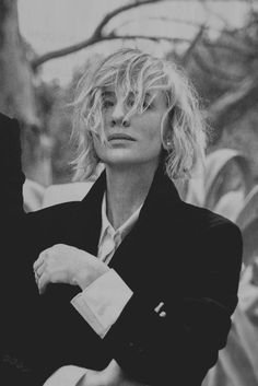 Cate Blanchett Cate Blanchett, Pretty People, Beautiful People, French Capsule Wardrobe, Best Actress, Woman Crush, Black And White Photography, Portrait Photography, Hollywood