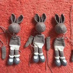 Mesmerizing Crochet an Amigurumi Rabbit Ideas. Lovely Crochet an Amigurumi Rabbit Ideas. Knitted Bunnies, Knitted Animals, Knitted Dolls, Animal Knitting Patterns, Doll Patterns, Crochet Patterns, Crochet Gifts, Diy Crochet, Crochet Toys