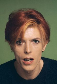 From the photo shoot for People Magazine Schapiro and Bowie took portraits against a putrid green background which they both felt was the worst possible color to use as a background for a magazine cover.