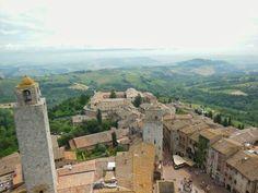 Panorámica de la ciudad medieval de San Gimignano (#Italia).