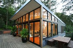 steel homes | Points House – Steel House on Problematic Site See COROGATED HORIZ SIDING