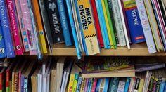 Taakjes/klusjes in de klas: het werkt! - VanJufMarjan Bookcase, Infographic, Home Decor, Infographics, Bookshelves, Interior Design, Home Interior Design, Information Design, Book Stands