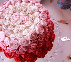 redvelvet ombre rose cake