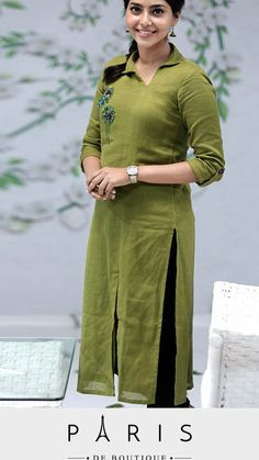 Salwar Neck Designs, Churidar Designs, Neck Designs For Suits, Kurta Neck Design, Kurta Designs Women, Dress Neck Designs, Blouse Designs, Kurta Patterns, Salwar Pattern