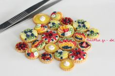 Just a Bunch of Miniature Fruit Tarts by PetitPlat.deviantart.com on @deviantART #miniature #food #dollhouse
