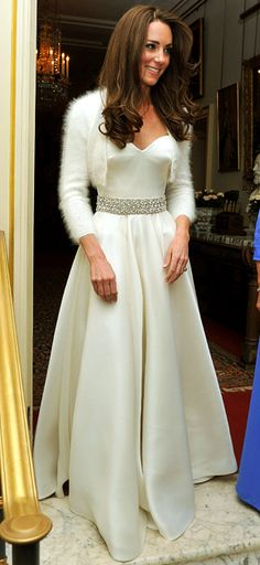 Kate Middleton style: Every look the Duchess of Cambridge has worn since her engagement Moda Kate Middleton, Style Kate Middleton, Kate Middleton Wedding Dress, Wedding Frocks, Wedding Gowns, Wedding Reception, Reception Gown, Wedding Night, Post Wedding