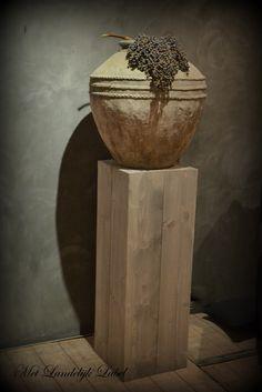 Houten pilaar in light grey afm: 35x35x100 cm