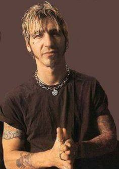 Theory Of A Deadman, Sully Erna, Daddy I Love You, Hottest Guy Ever, Nu Metal, Evanescence, Rock Groups, Him Band, Types Of Music