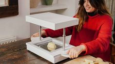 FormBox: A Desktop Vacuum Former That Makes Beautiful Things project video thumbnail