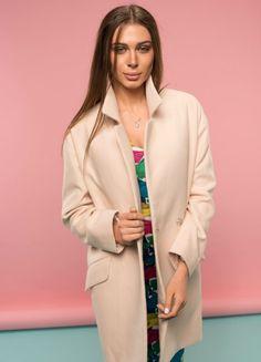 Кашемировое пальто кремового цвета