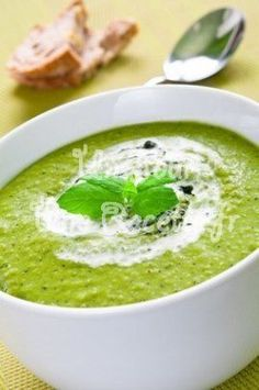Recipes Easy Quick Dinner Protein Ideas For 2019 Quick Easy Dinner, Quick Easy Meals, Healthy Soup Recipes, Vegetable Recipes, Detox Recipes, Light And Easy Meals, Soup Appetizers, Spinach Soup, Hummus