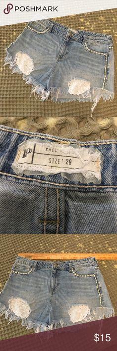 Free People Jean shorts Sz 29 Free People Jean shorts Sz 29 Free People Shorts Jean Shorts