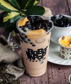 Trà sữa Bobapop Nguyễn Trãi Bubble Tea Shop, Bubble Milk Tea, Fun Drinks, Yummy Drinks, Yummy Food, Tea Recipes, Snack Recipes, Japenese Food, Food Captions