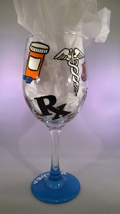 Hand Painted Pharmacist Wine Glass Medical by GorejessLaboratory Pharmacy Gifts, Pharmacy School, Pharmacy Humor, Pharmacy Technician, Pharmacy Student, Medical Science, Time To Celebrate, Creative Gifts, Wine Glass